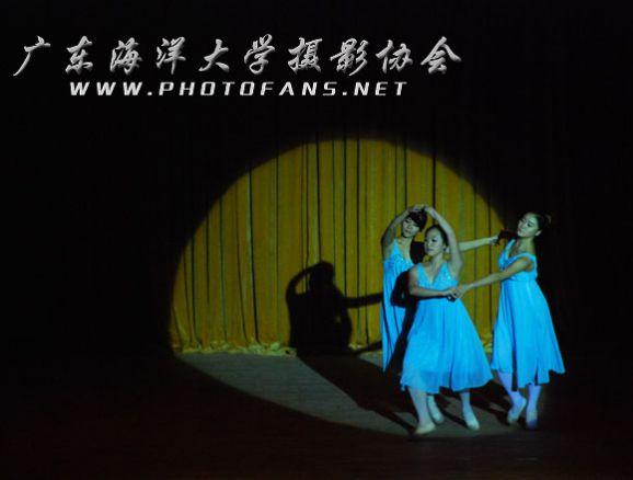 演唱曲目除了世界歌剧,民乐,还有女独唱压轴带来的《今夜无眠》和